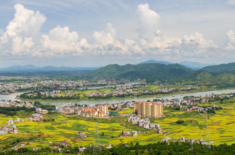 南宁六景工业园区管理委员会签约华天动力OA开启智慧办公